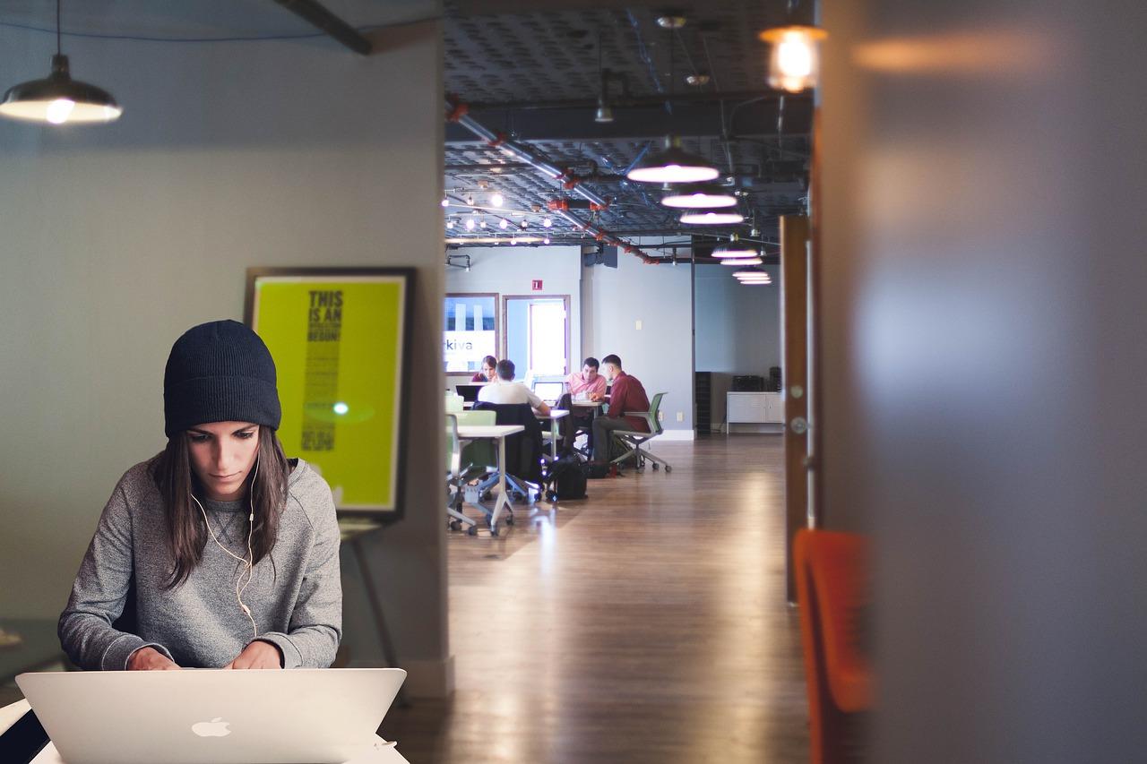 Cómo organizar reuniones virtuales en 3 pasos