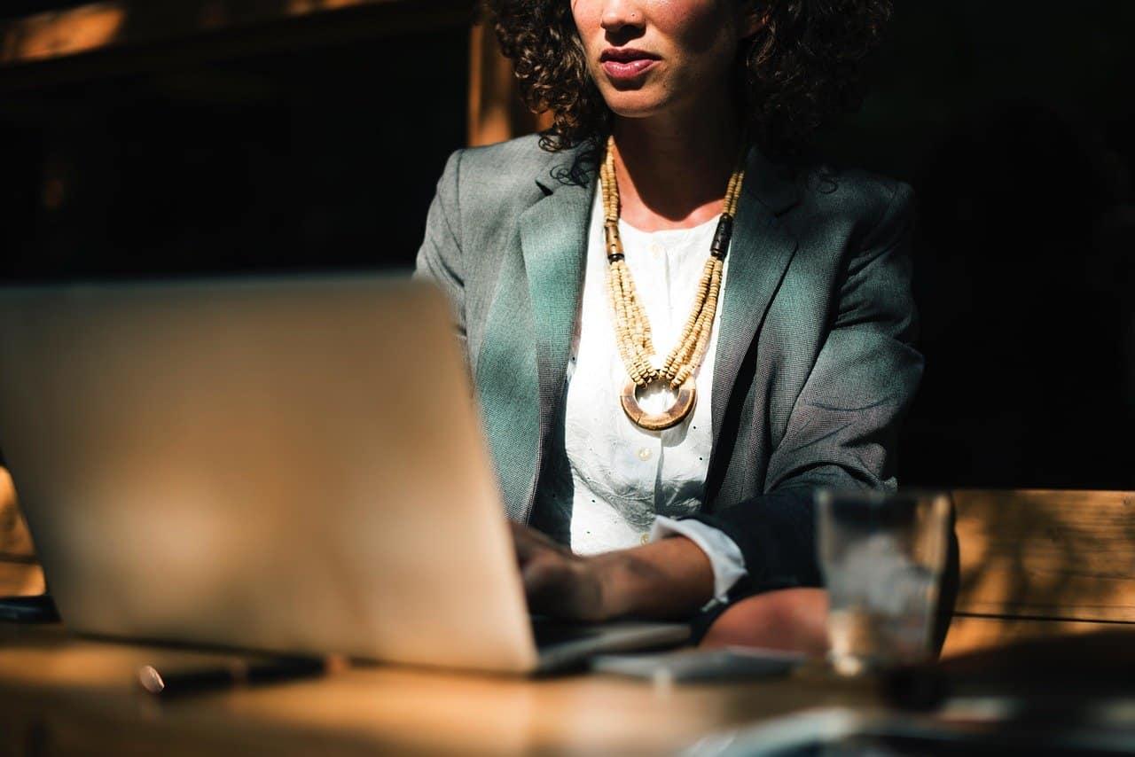 Actualiza tu negocio con reuniones virtuales
